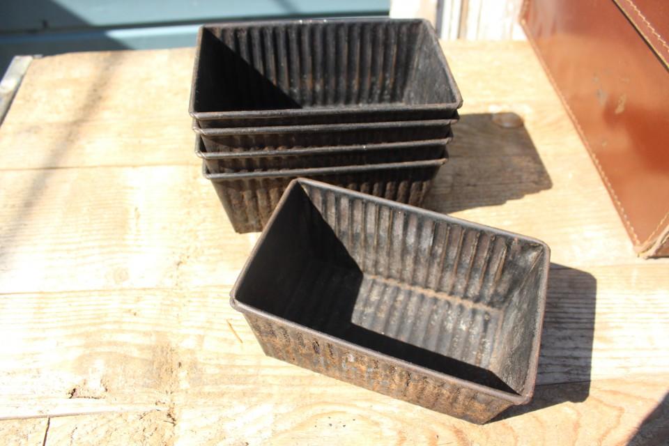 Oud metalen bakblik 18 cm B