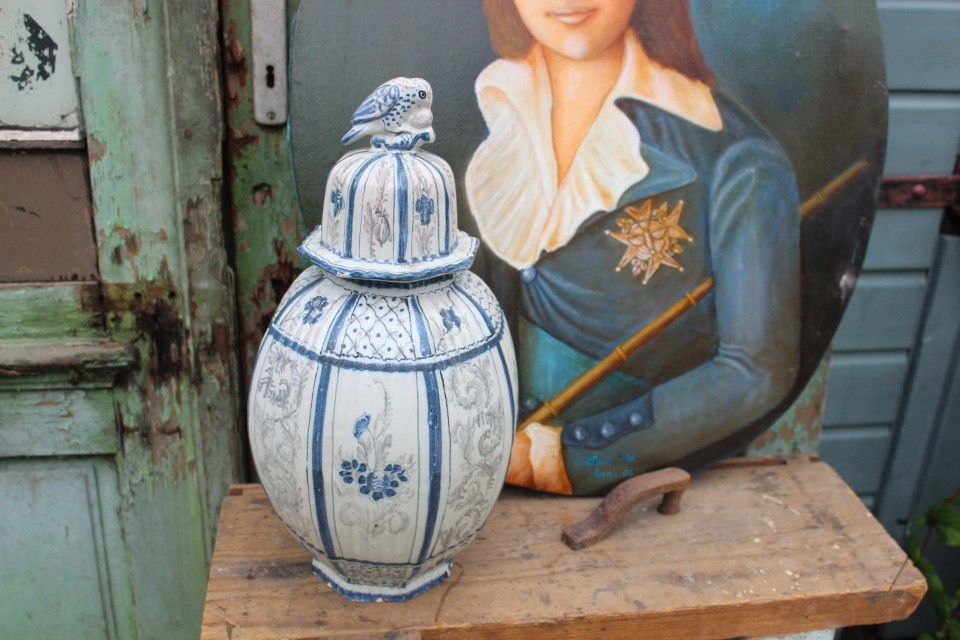 Oude Franse keramiek pot met deksel