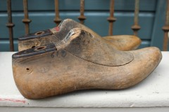 Set oude houten schoenmallen maat 41