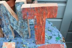Oude houten letter T