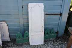 Oud Frans houten deurtje