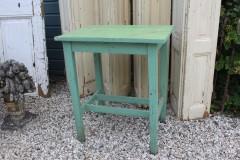 Brocante groene houten tafel