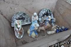Oude kleine gipsen Franse kerstgroep