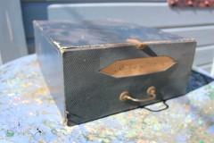 Oude kartonnen Franse opbergdoos