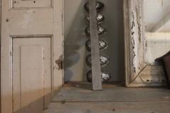 Oude geschakelde metalen Paasei mal schelp