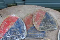 Oud roodblauw Frans metalen bordje prijs paard