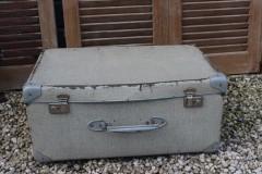 Brocante zandkleur koffer