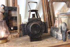 Oude metalen zwarte spoorweglamp